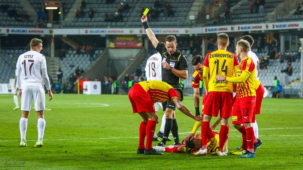 Korona Kielce gra najostrzej w Ekstraklasie. Tylu kartek i fauli nie ma żaden inny klub