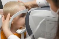 Kiedy jest czas na wizytę u okulisty z dzieckiem?