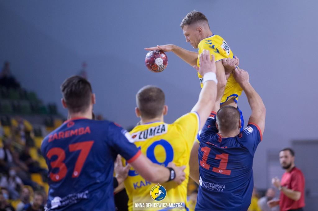 Łomża Vive Kielce zamknęła mecz już w pierwszej połowie. Pogoń bez szans