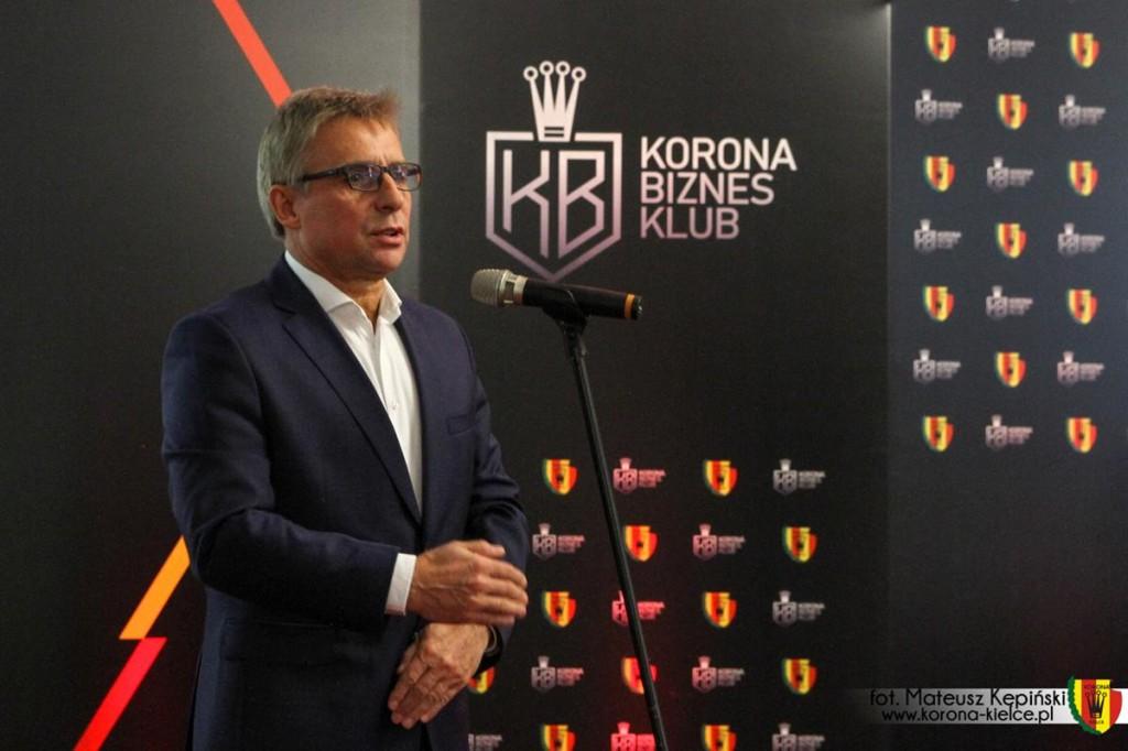 Prezes Korony nie udziela wywiadu, ale przedstawia swoje stanowisko: - Nie ma mowy o rozstaniu z Lettierim
