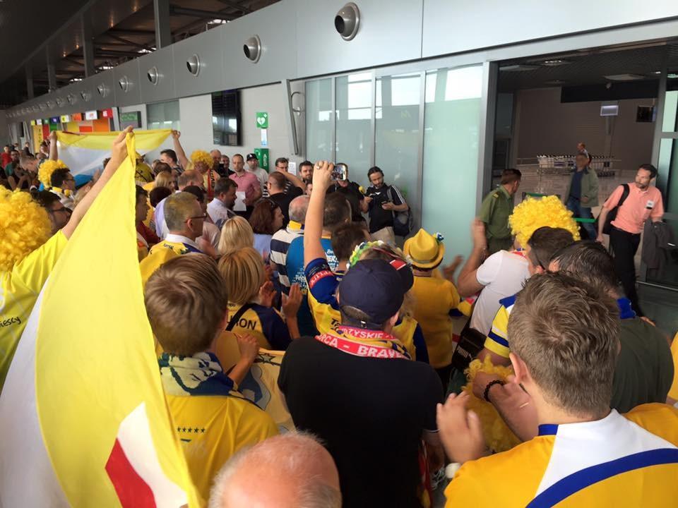Vive wylądowało w Pyrzowicach. Triumfatorów Ligi Mistrzów przywitał tłum kibiców i dziennikarzy!