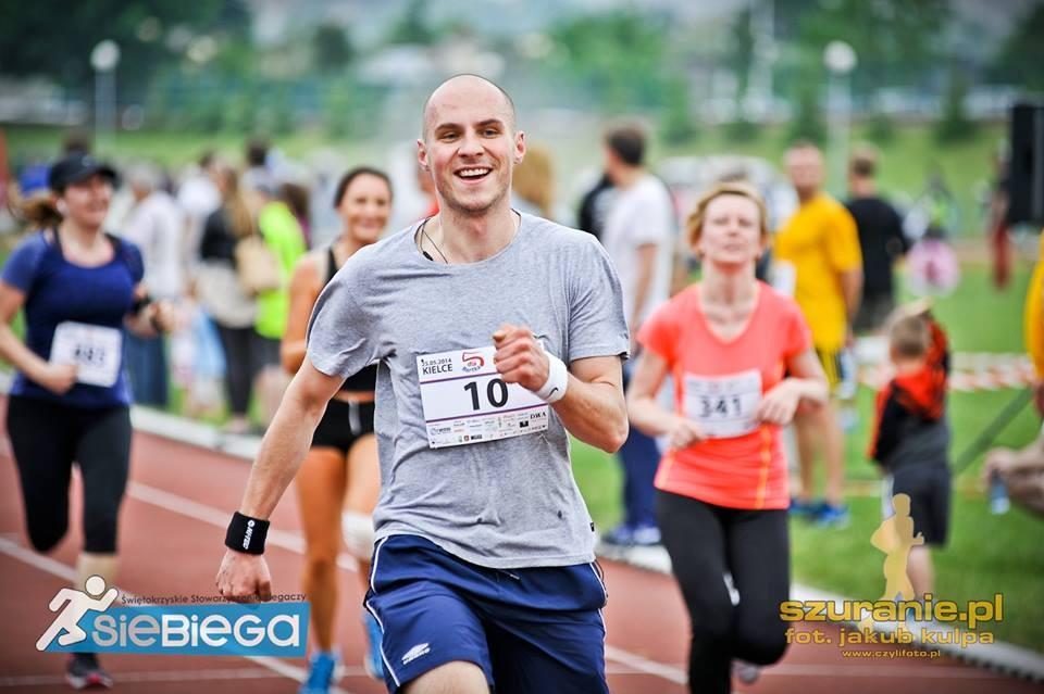 Trudna, ale ciekawa trasa sieBIEGA Półmaratonu Kieleckiego