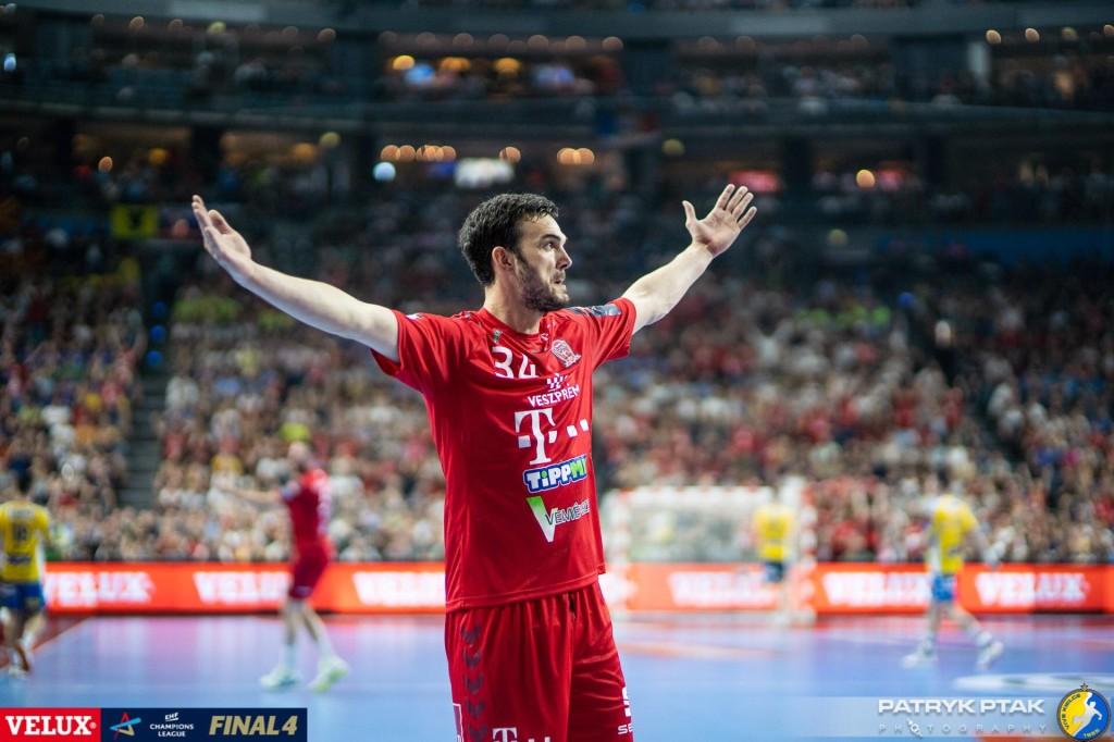 LM: Telekom Veszprem jedną nogą w ćwierćfinale. W PSG błysnął Nahi
