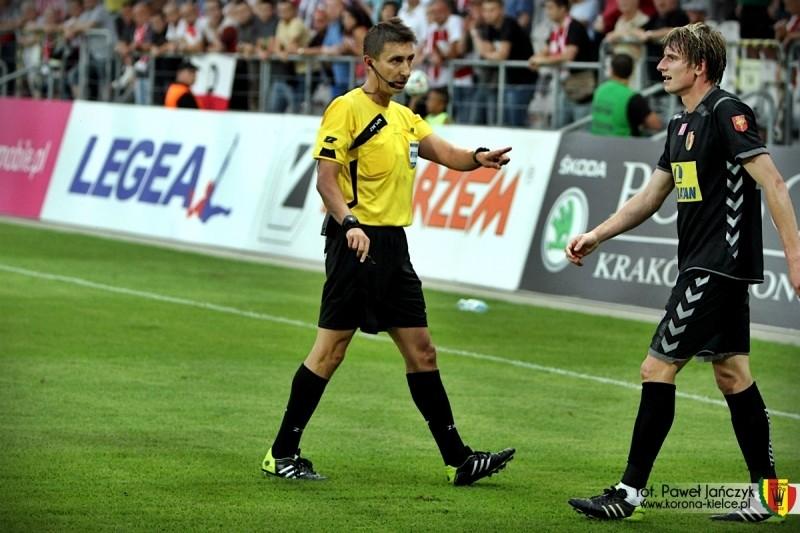 Znany arbiter meczu w Chorzowie. Nie jest on szczęśliwy dla Korony...