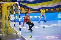 Pełna kontrola. Łomża Vive Kielce wysoko pokonuje Elverum, mecz bramkarzy i kołowych