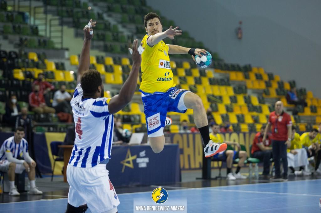Łomża Vive Kielce gra o ćwierćfinał Ligi Mistrzów. Z HBC Nantes zadecydują detale