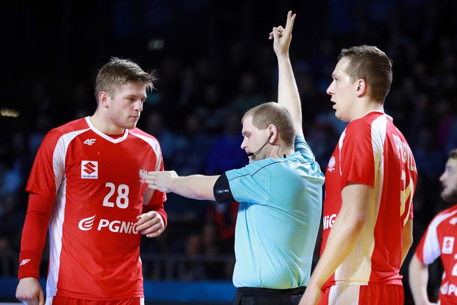 Polacy nie wyjdą z grupy. Po ambitnej walce, biało-czerwoni przegrali z Rosją