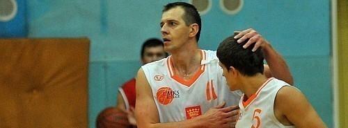 Koszykarze UMKS-u Kielce lepsi od Rosy II Radom