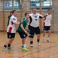 Czterdzieści bramek na Wielkanoc.  AZS UJK wygrywa w Małopolskiej Lidze Seniorów (zdjęcia)