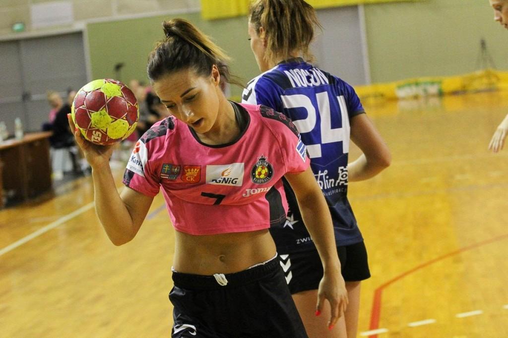 Dwie porażki Korony Handball pierwszego dnia turnieju. Kolejne mecze w sobotę