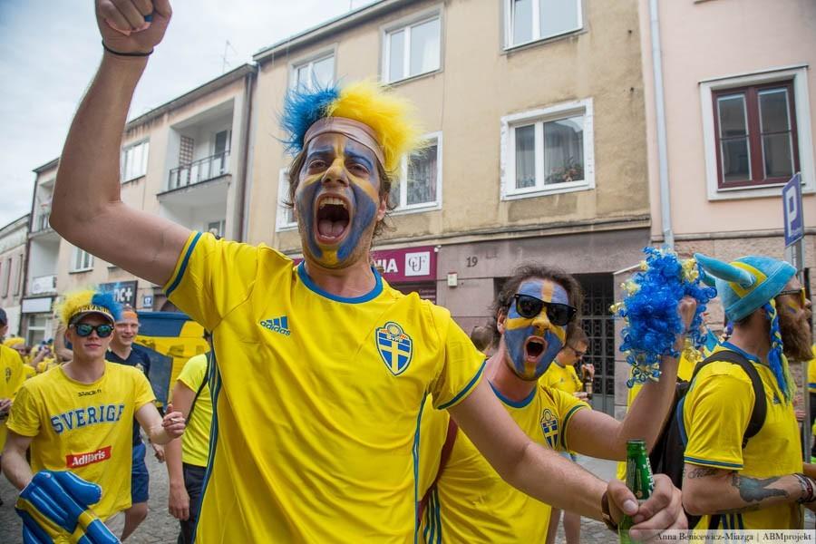 Szwedzi zrobili show! Fantastyczne zdjęcia z kieleckich ulic i drogi na stadion!
