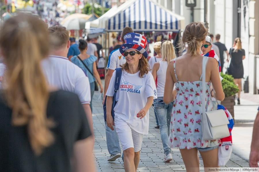Piłkarskie święto trwa. Mnóstwo Słowaków na ulicach (zdjęcia)