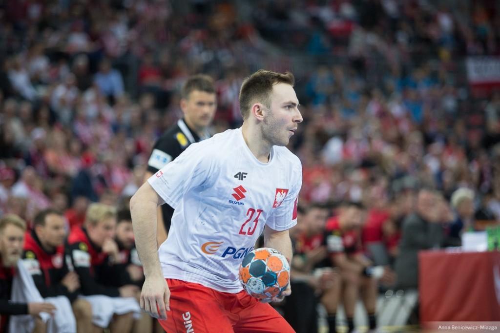 Kompromitujący remis Polski z Kosowem, aż dziesięć bramek Pehlivana. Występy kielczan w reprezentacjach