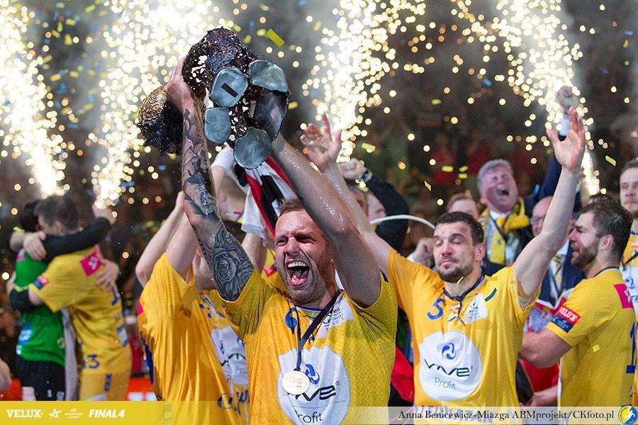 Plebiscyt Przeglądu Sportowego i TVP: Vive Tauron Kielce najlepszą drużyną 2016 roku!