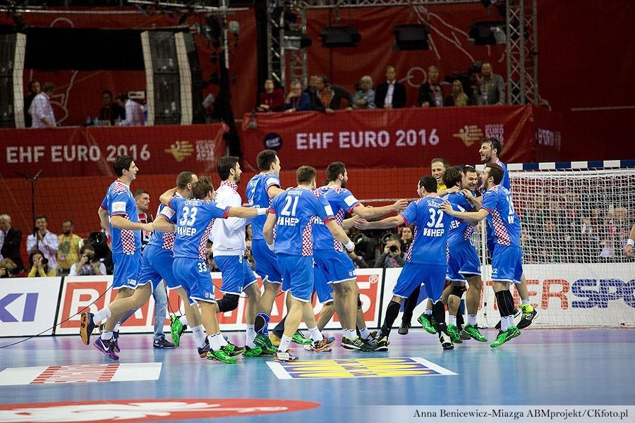 Lewe rozegranie również wzmocnione! Kolejny Chorwat w Kielcach
