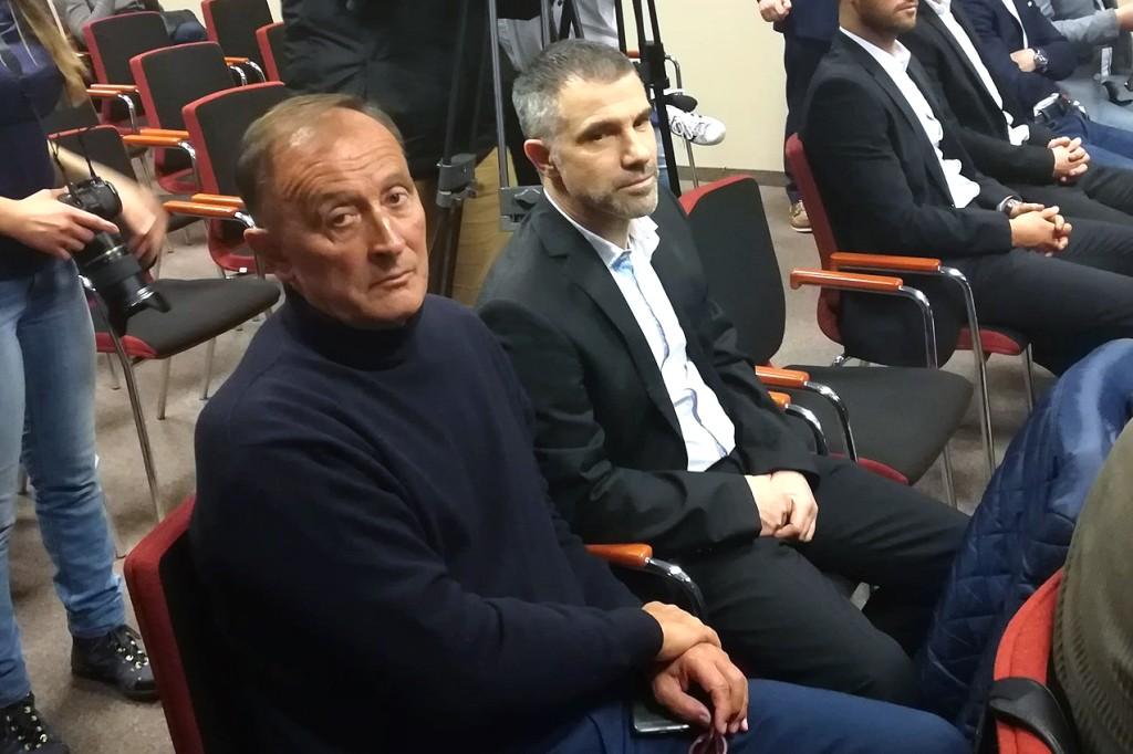 Burdenski szkolił bramkarzy Korony Kielce. Pojawił się na treningu w Side