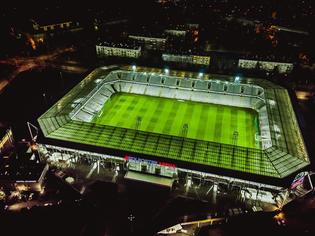 Kolporter Arena przygotowana do meczu. Zdjęcia z drona!
