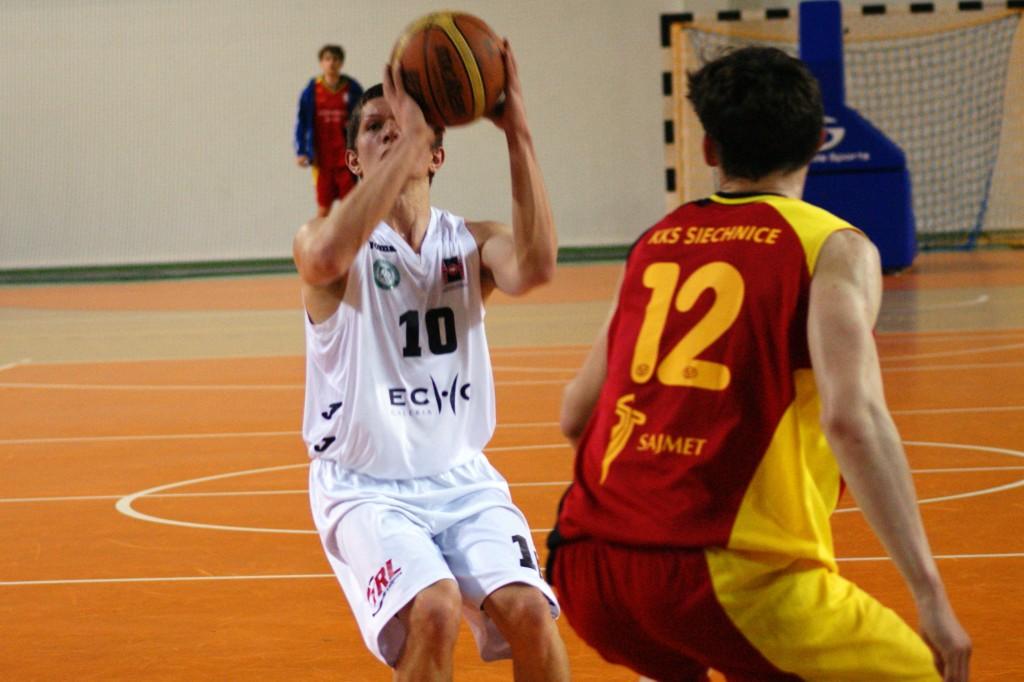 Pierwszy krok zrobiony! Koszykarze Politechniki lepsi od KKS