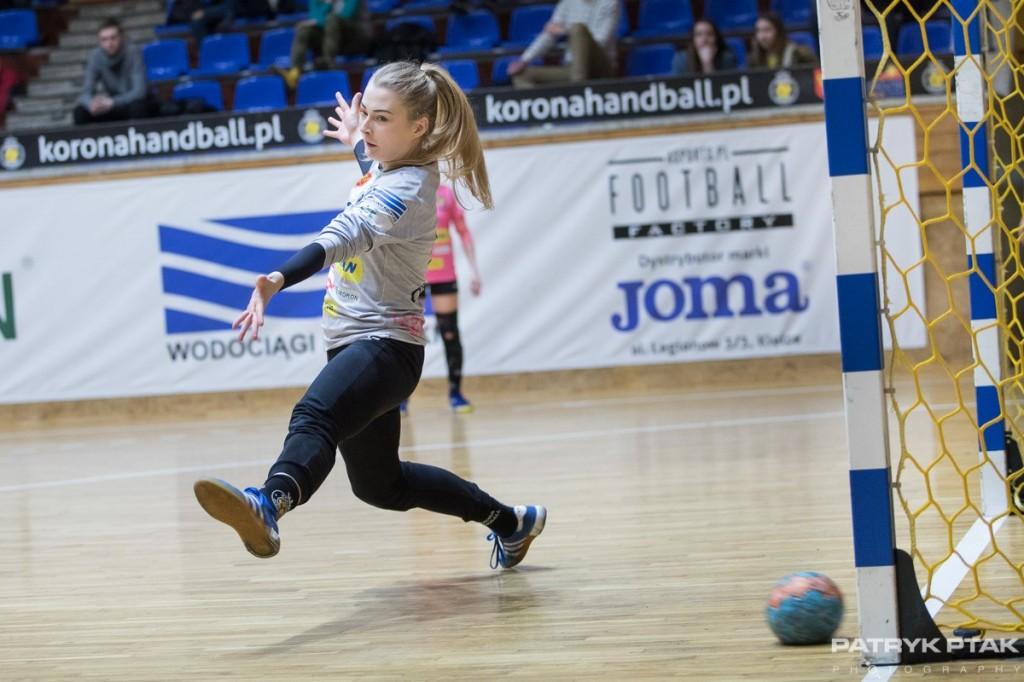 """Wielkie emocje i triumf Korony Handball po rzutach karnych! """"Oro"""" bohaterką kielczanek!"""
