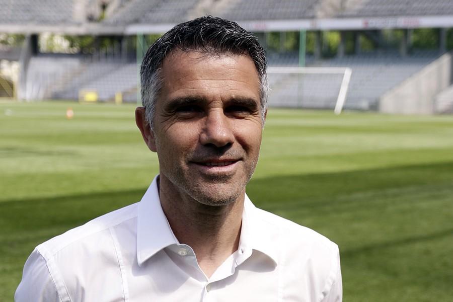 Gino Lettieri nowym trenerem Korony. W sztabie trzech Polaków [zapis konferencji]