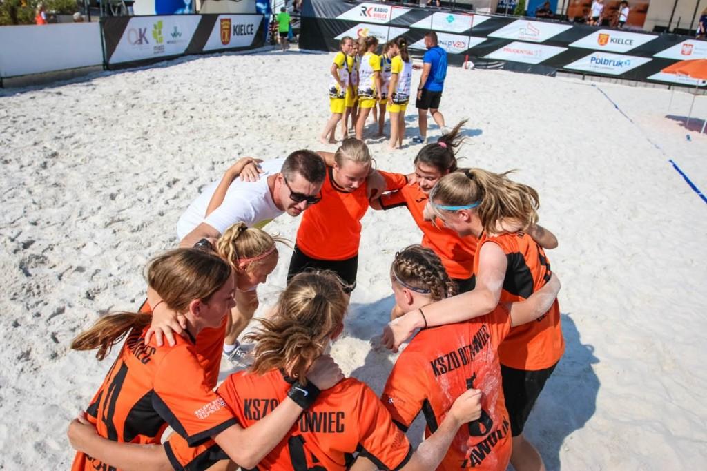 FOTO: Dziewczęta zagrały w Beach Soccer. Zdjęcia z turnieju