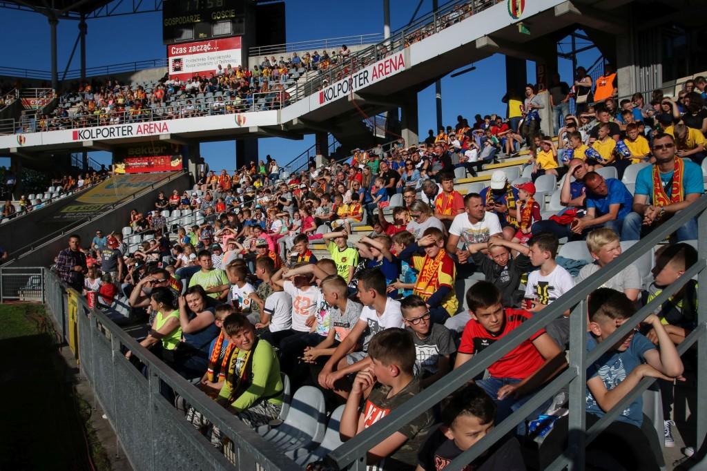 Niespełna 6000 biletów sprzedanych dotychczas na mecz Korona - Legia