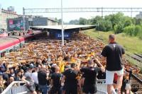 Żółto-czerwona fala zalała Zabrze! Ponad 850 kibiców dopinguje Koronę w meczu z Górnikiem