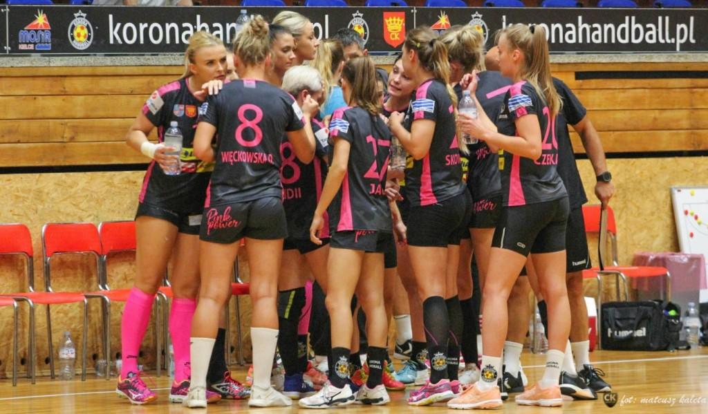 Zawodniczki Korony Handball rezygnują z części wynagrodzenia. Finansowanie ogranicza miasto