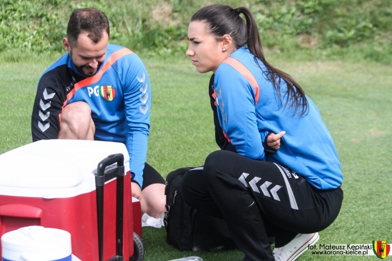 Kobieta w dresie Korony na treningach zespołu. Kim jest nowa postać sztabu szkoleniowego?