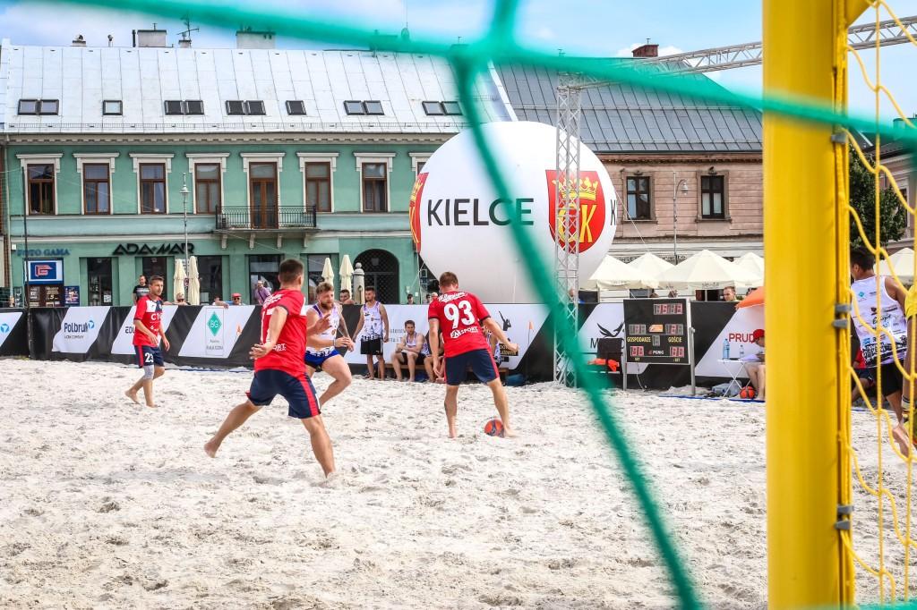 Przed nami finałowe rozstrzygnięcia w Beach Soccer. Kieleckie zespoły powalczą o 5. miejsce