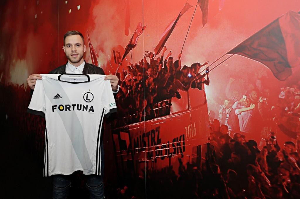 Wychowanek Korony podpisał kontrakt z Legią. To jeden z najzdolniejszych piłkarzy młodego pokolenia