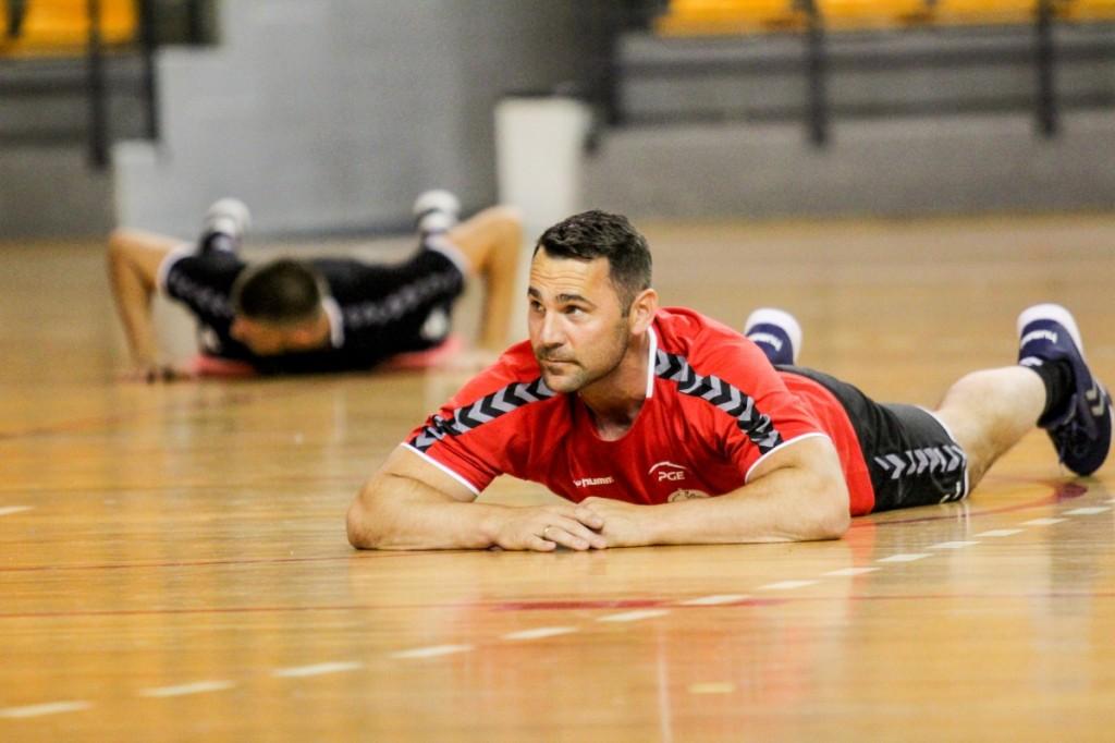 Łomża Vive Kielce wznowiła treningi. Na zajęciach stawiło się trzech zawodników