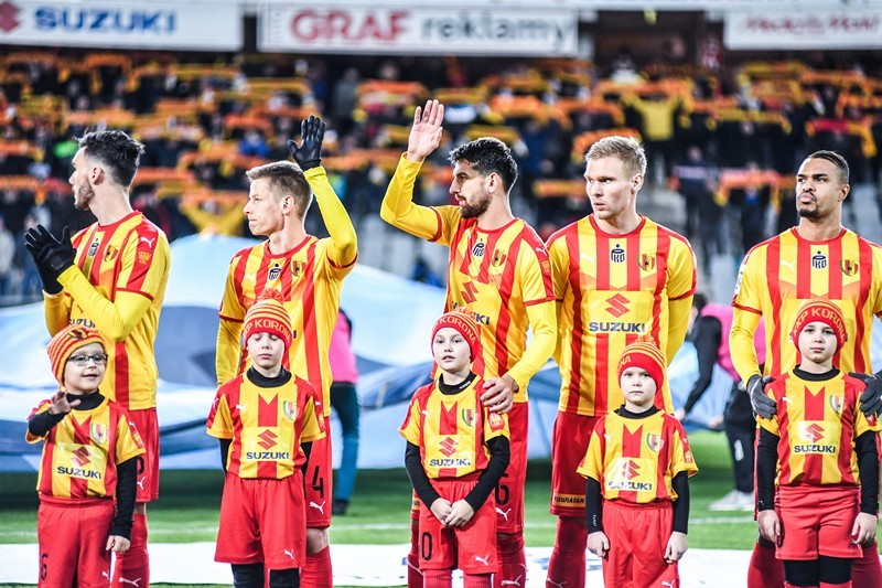 """""""Sport w realu"""" na kieleckim stadionie. Mecz z Zagłębiem obejrzało za darmo 1000 dzieci"""