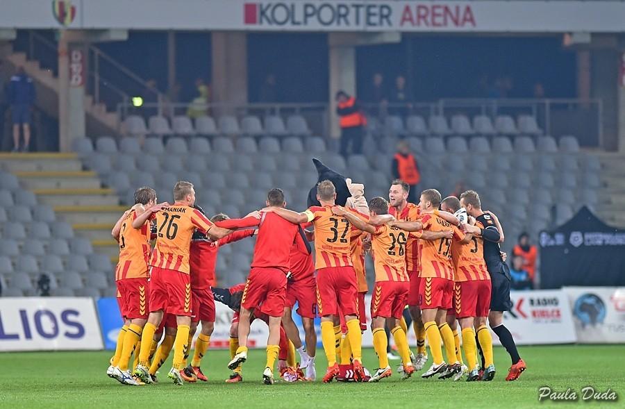 Niesamowita końcówka meczu! Ostatnia akcja, bramka Kiełba i Korona pokonała Wisłę Kraków!